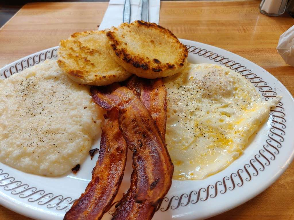 Waffle House - meal takeaway  | Photo 8 of 10 | Address: 7203 Garth Rd, Baytown, TX 77521, USA | Phone: (281) 421-2499