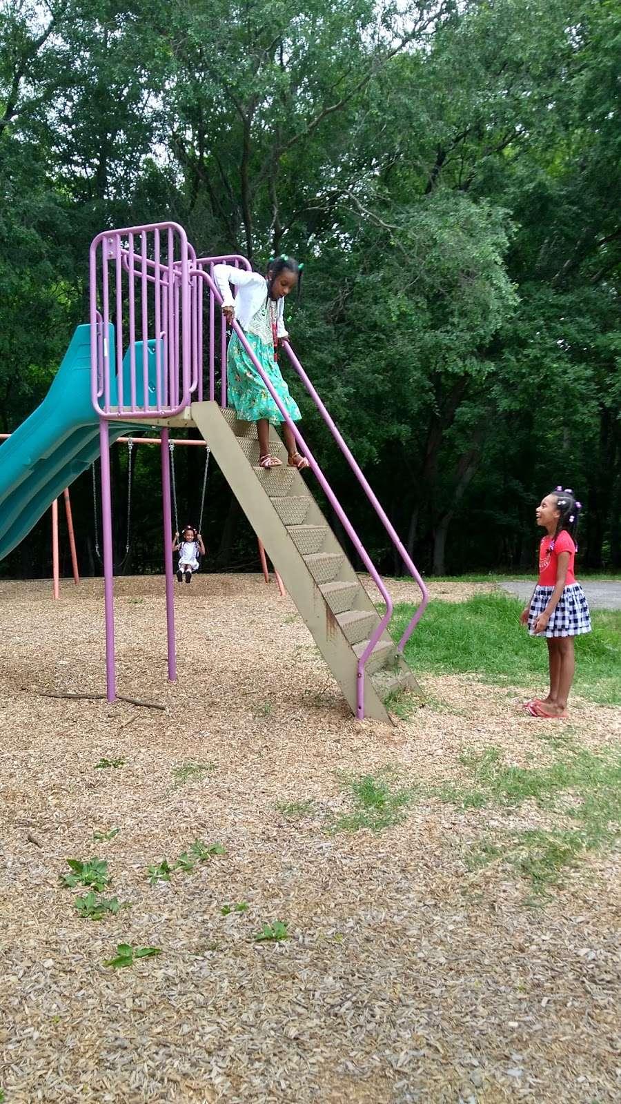 Riverview Recreation Center - park  | Photo 1 of 10 | Address: Fort Washington, MD 20744, USA