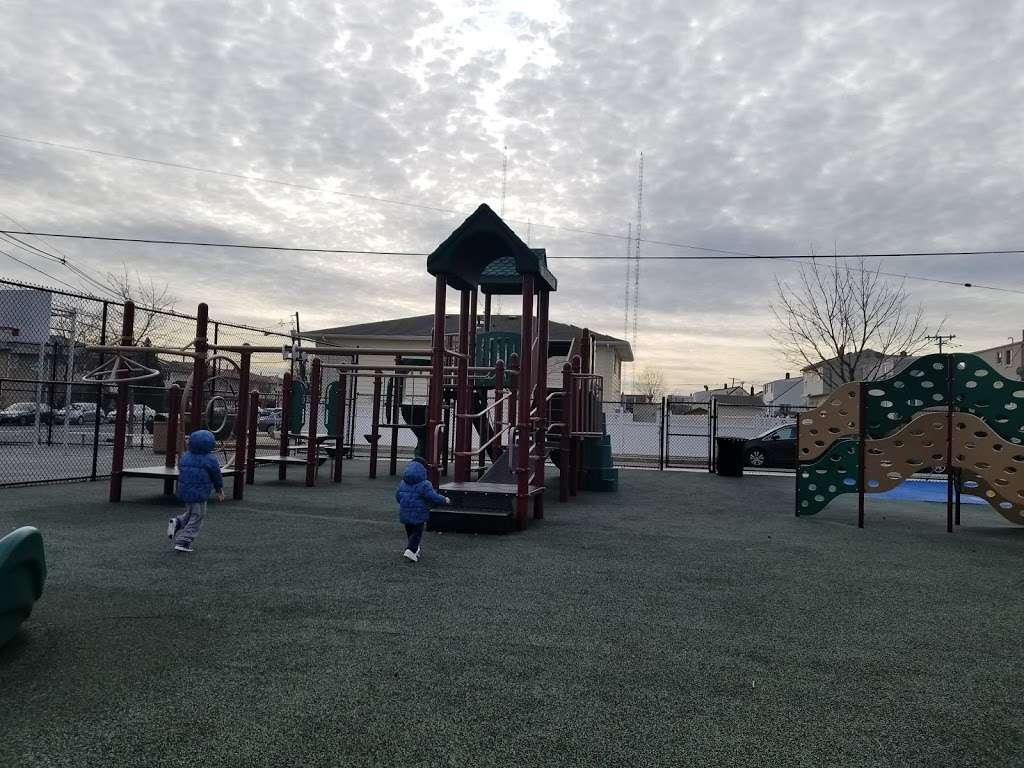 Naters Park - park  | Photo 2 of 6 | Address: &, Koelle Blvd & Blondel Dr, Secaucus, NJ 07094, USA