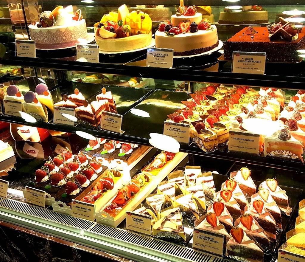 85°C Bakery Cafe - bakery  | Photo 4 of 9 | Address: 672 Barber Ln, Milpitas, CA 95035, USA | Phone: (408) 432-8585