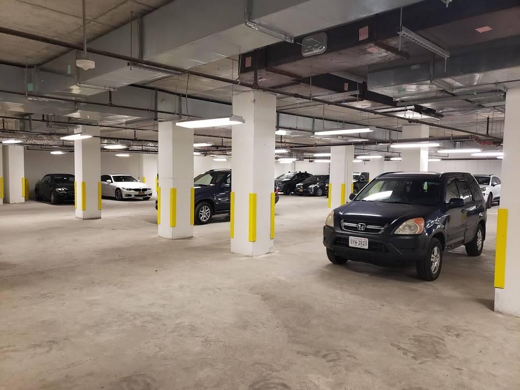 MPG Parking - parking    Photo 3 of 8   Address: 21 India St, Brooklyn, NY 11222, USA   Phone: (347) 916-1270