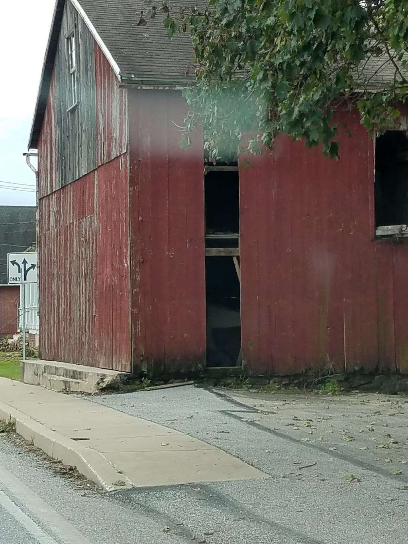 Mariposa Inn - lodging  | Photo 5 of 8 | Address: 2620 Freysville Rd, Red Lion, PA 17356, USA | Phone: (301) 385-0215