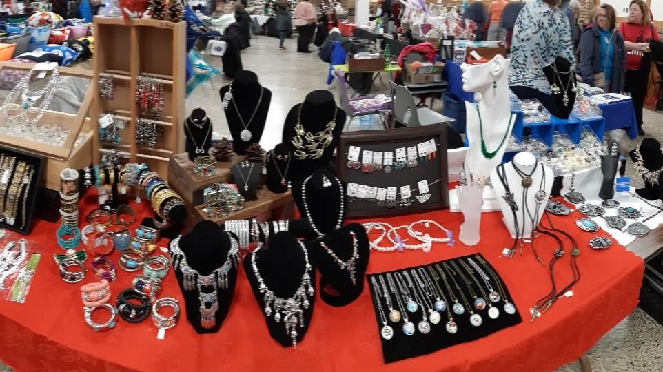Sharonnekes - shopping mall  | Photo 1 of 10 | Address: 1268 Randolph Ave, Windsor, ON N9B 2V6, Canada | Phone: (226) 757-3498
