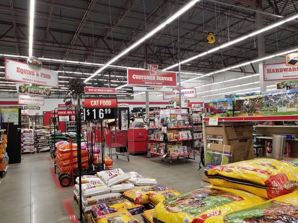 Tractor Supply Co. - hardware store  | Photo 8 of 10 | Address: 12466 Interstate 45 N Ste B, Willis, TX 77378, USA | Phone: (936) 856-1549