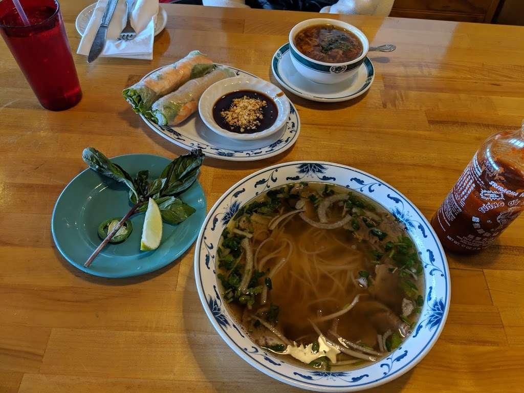 Saigon Panda - restaurant  | Photo 6 of 10 | Address: 3105 80th St, Kenosha, WI 53142, USA | Phone: (262) 697-0880