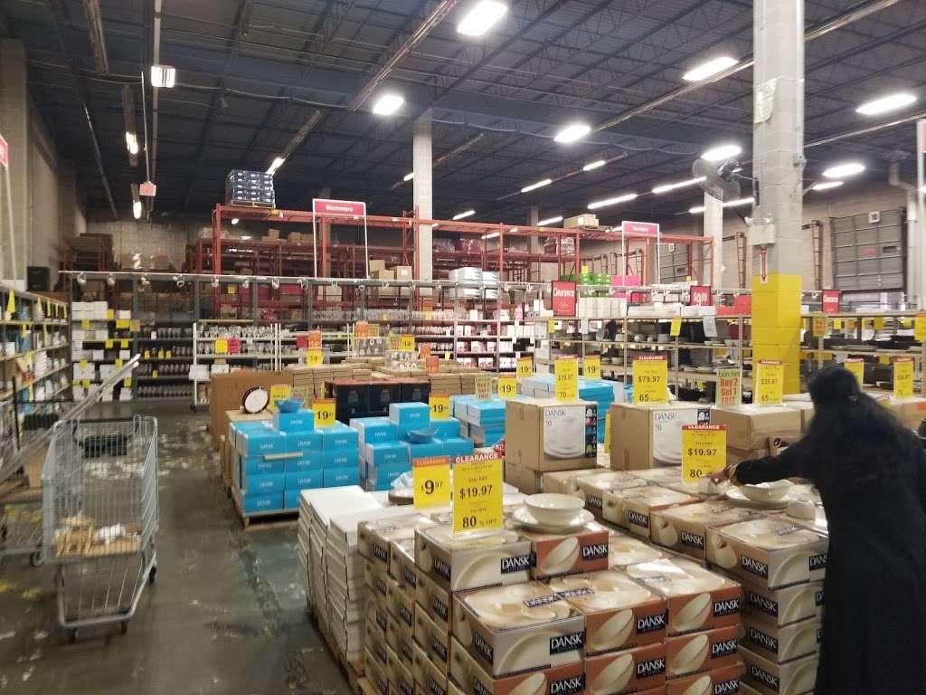 Lenox Outlet - store  | Photo 2 of 10 | Address: 51 Commerce Dr, Cranbury, NJ 08512, USA | Phone: (609) 395-8051