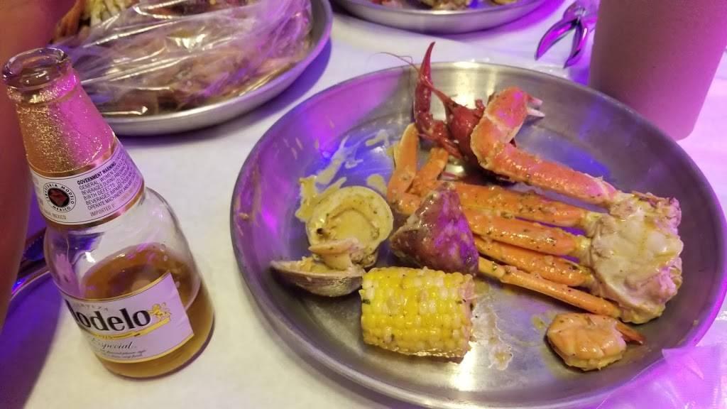 Mr. Q Crabhouse - restaurant    Photo 9 of 9   Address: 4221 N State Rd 7, Hollywood, FL 33021, USA   Phone: (954) 391-8879