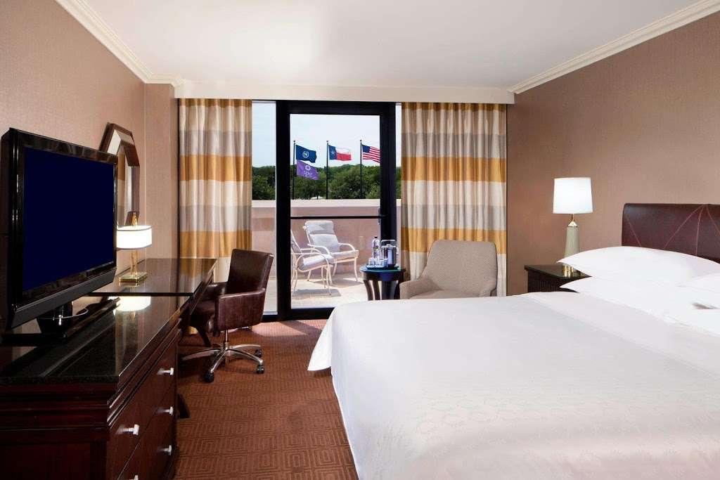 Sheraton DFW Airport Hotel - lodging  | Photo 10 of 10 | Address: 4440 W John Carpenter Fwy, Irving, TX 75063, USA | Phone: (972) 929-8400