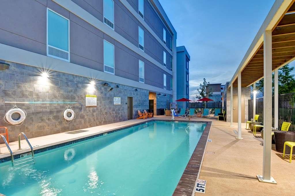Home2 Suites by Hilton Baytown - lodging  | Photo 6 of 10 | Address: 7512 Garth Rd, Baytown, TX 77521, USA | Phone: (832) 926-7350