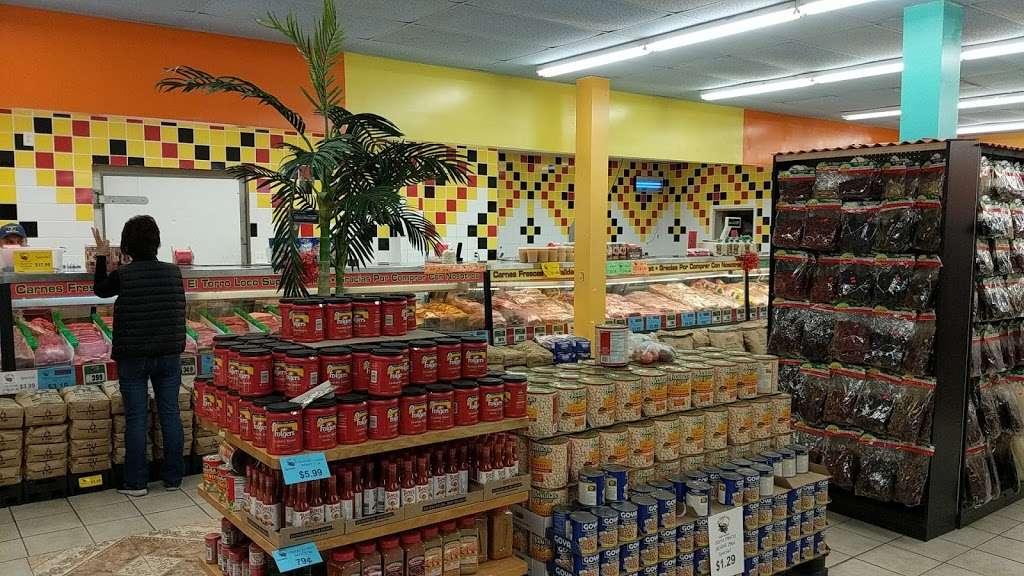 El Toro Loco - store    Photo 9 of 10   Address: 3001-3077 Taft Hwy, Bakersfield, CA 93313, USA   Phone: (661) 831-1852