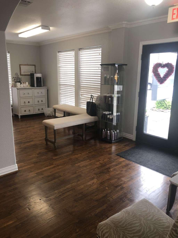 Salon Accente - hair care  | Photo 2 of 10 | Address: 4318 Center St, Deer Park, TX 77536, USA | Phone: (281) 476-5332