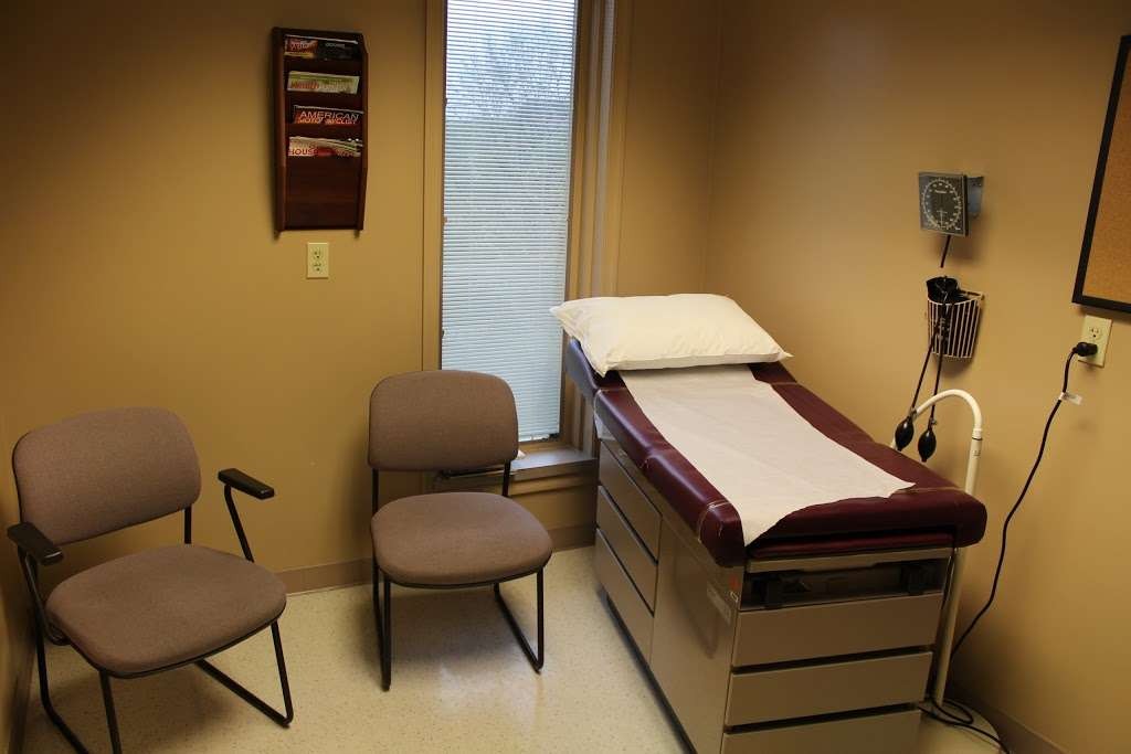 WellSpan Family Medicine - Terre Hill - doctor  | Photo 1 of 7 | Address: 770 Broad St, East Earl, PA 17519, USA | Phone: (717) 445-4576