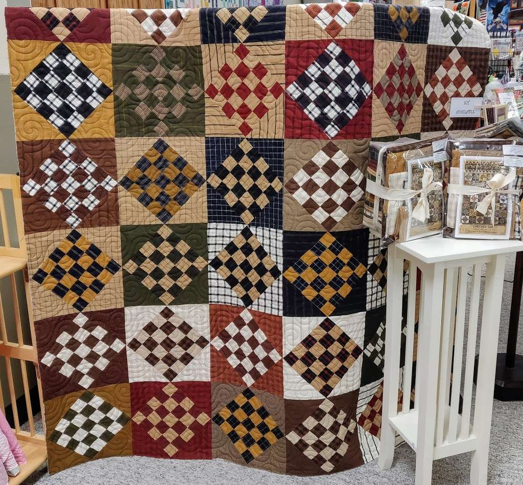 Hunters Quilt Mart - home goods store  | Photo 6 of 10 | Address: 573 NW US Hwy 50, Centerview, MO 64019, USA | Phone: (660) 656-3325