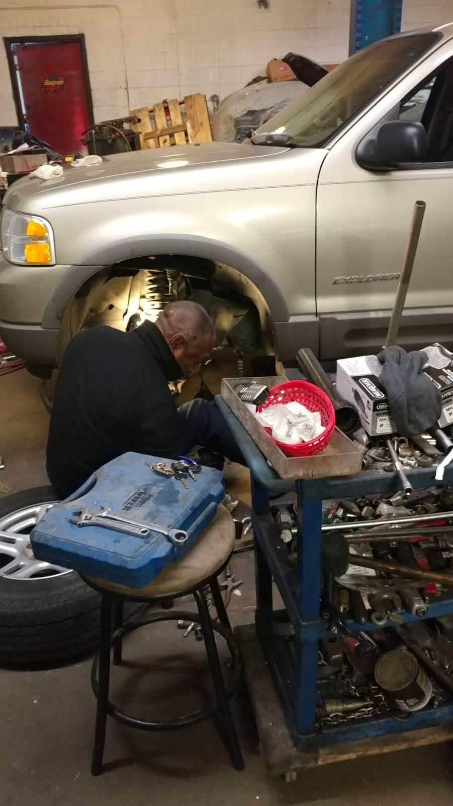 Jm Auto Repair Inc - car repair    Photo 3 of 17   Address: 316 Rush St # 104, Raleigh, NC 27610, USA   Phone: (919) 833-6988