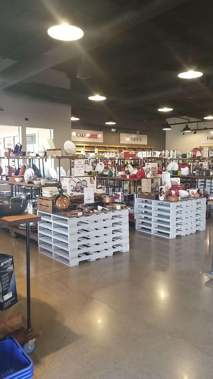 Pots & Pans Kitchenware Outlet - furniture store    Photo 2 of 6   Address: 232 Nut Tree Rd, Vacaville, CA 95687, USA   Phone: (707) 451-8695