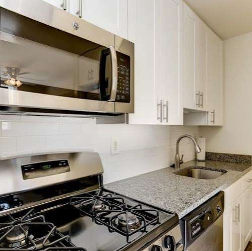 Hallfield Apartments - real estate agency  | Photo 1 of 10 | Address: 8517-B Heathrow Ct apartment b, Nottingham, MD 21236, USA | Phone: (410) 529-1006