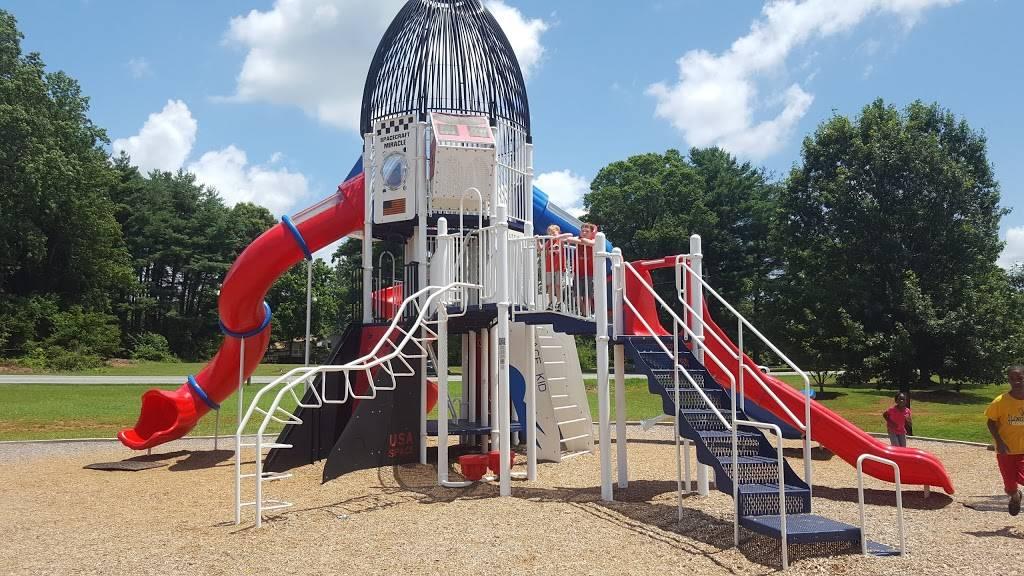 Oak Summit Park - park  | Photo 5 of 10 | Address: 370 Oak Summit Rd, Winston-Salem, NC 27105, USA | Phone: (336) 727-8000