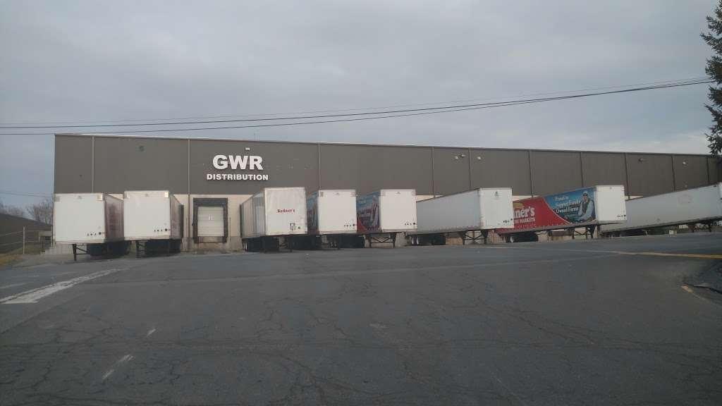 Redners Warehouse Markets - storage  | Photo 1 of 4 | Address: 4201 Pottsville Pike #9, Reading, PA 19605, USA | Phone: (610) 929-8683