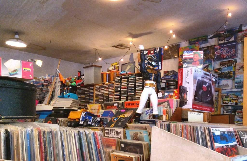 M & L Records & Models - electronics store  | Photo 2 of 5 | Address: 6504 Ravenna Ave NE #7041, Seattle, WA 98115, USA | Phone: (206) 522-8189