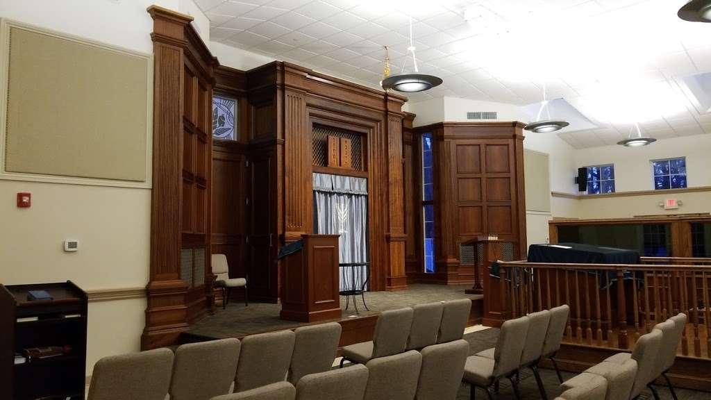 Beth Menachem Chabad of Newton - synagogue  | Photo 1 of 9 | Address: 349 Dedham St, Newton, MA 02459, USA | Phone: (617) 244-1200