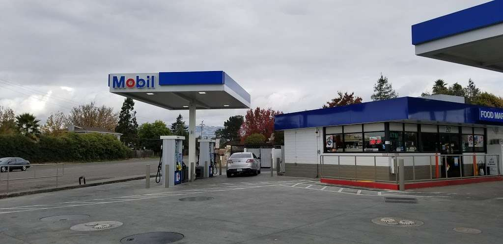 Mobil - gas station  | Photo 1 of 1 | Address: 2601 Lakeville Hwy, Petaluma, CA 94954, USA | Phone: (707) 762-0139