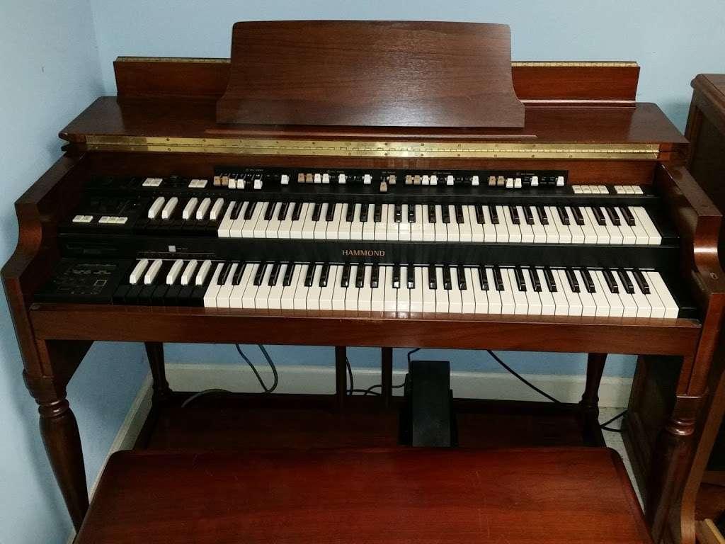 Organguru Electronic organs bought, sold, and repaired, Hammond  - electronics store  | Photo 2 of 2 | Address: 170 Rimer Rd, Salisbury, NC 28146, USA | Phone: (704) 798-0299