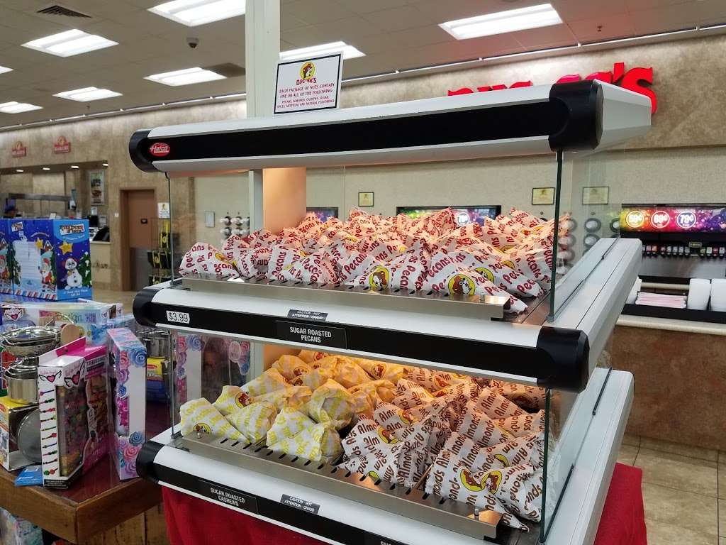 Buc-ees - convenience store  | Photo 8 of 10 | Address: 4080 East Fwy, Baytown, TX 77521, USA | Phone: (979) 238-6390