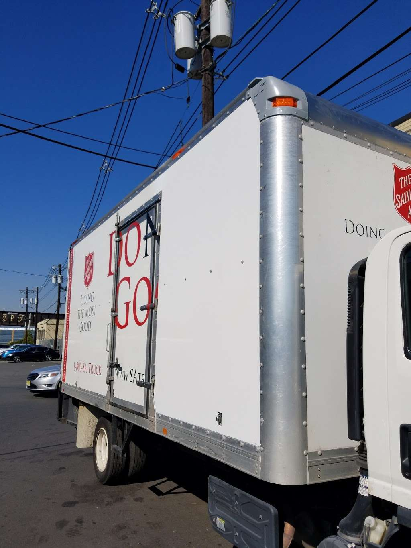 Citiwide Truck Repair - car repair  | Photo 8 of 10 | Address: 324 Manhattan Ave, Jersey City, NJ 07307, USA | Phone: (201) 721-6200