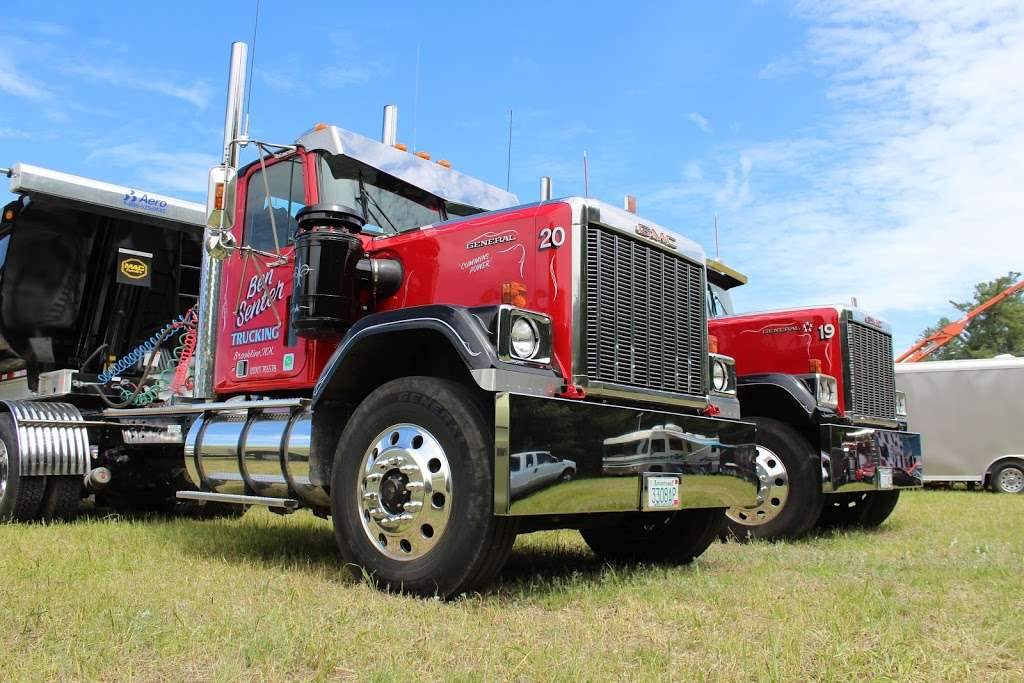 Ben Senter Trucking - moving company  | Photo 7 of 10 | Address: 207-209 Rte 13, Brookline, NH 03033, USA | Phone: (603) 673-9123