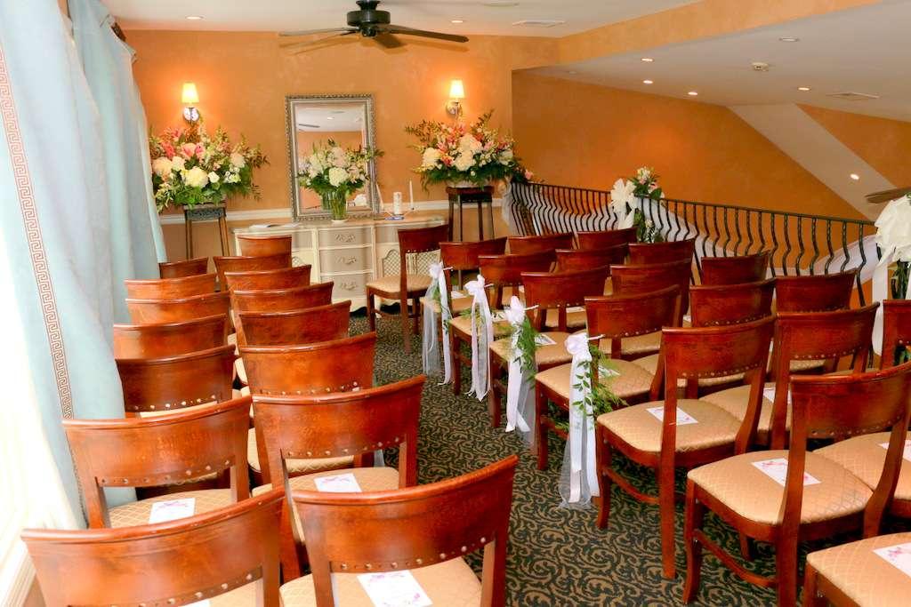 Andres Lakeside Dining - restaurant  | Photo 3 of 10 | Address: 112 Tomahawk Trail, Sparta Township, NJ 07871, USA | Phone: (973) 726-6000