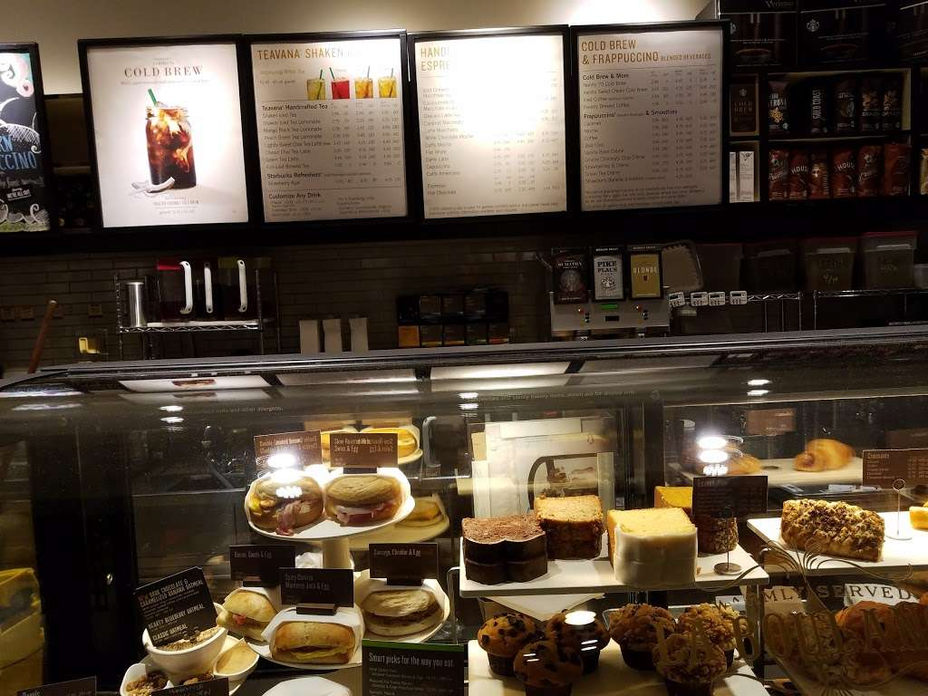 Starbucks - cafe  | Photo 3 of 10 | Address: 30571 Highway 79 S, A, Temecula, CA 92592, USA | Phone: (951) 506-2785