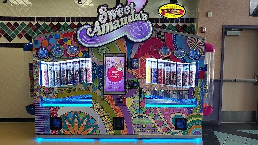 Regal Cinemas Waterford Lakes 20 IMAX - movie theater  | Photo 4 of 10 | Address: 541 N Alafaya Trail, Orlando, FL 32828, USA | Phone: (844) 462-7342