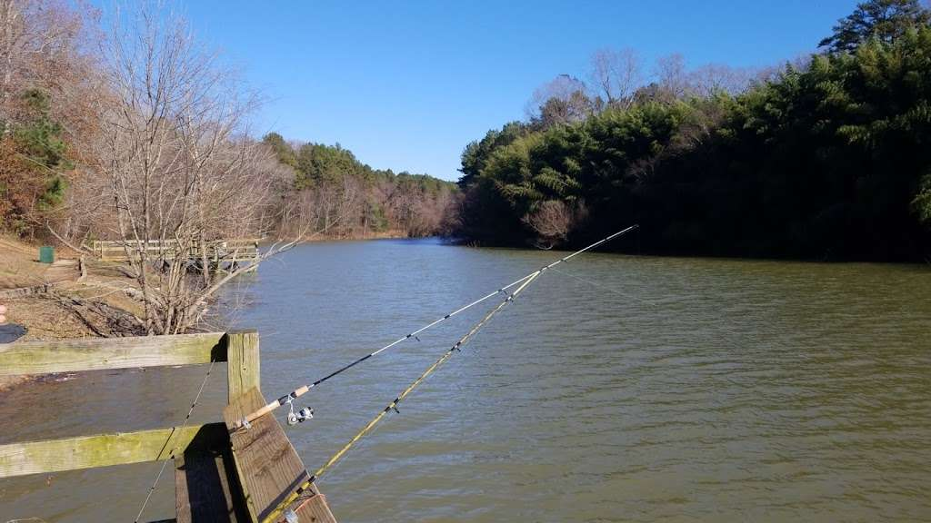 Allen Fishing Area - park  | Photo 2 of 6 | Address: 425 The Hot Hole Rd, Belmont, NC 28012, USA
