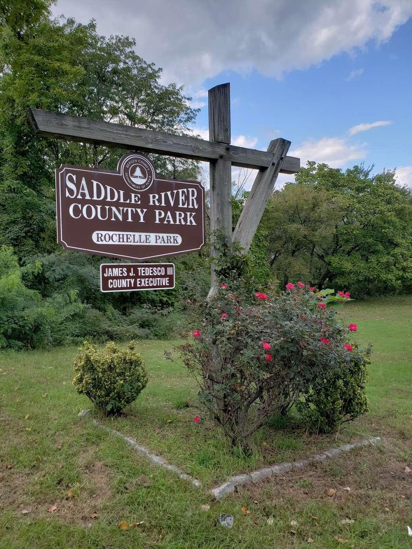 Saddle River Bike Path Parking 3 - park  | Photo 5 of 10 | Address: 760 Saddle River Rd, Saddle Brook, NJ 07663, USA