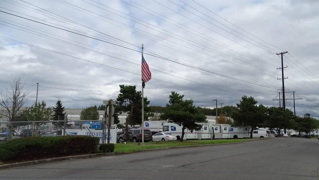 USPS. Processing & Distribution Center - post office  | Photo 6 of 8 | Address: 10700 27th Ave S, Tukwila, WA 98168, USA | Phone: (206) 768-4381