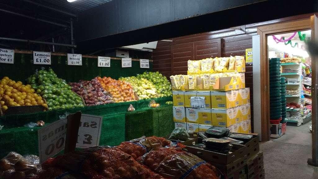Barleylands Farm Shop - store  | Photo 5 of 10 | Address: Southend Rd, Billericay CM11 2UQ, UK | Phone: 01268 288886