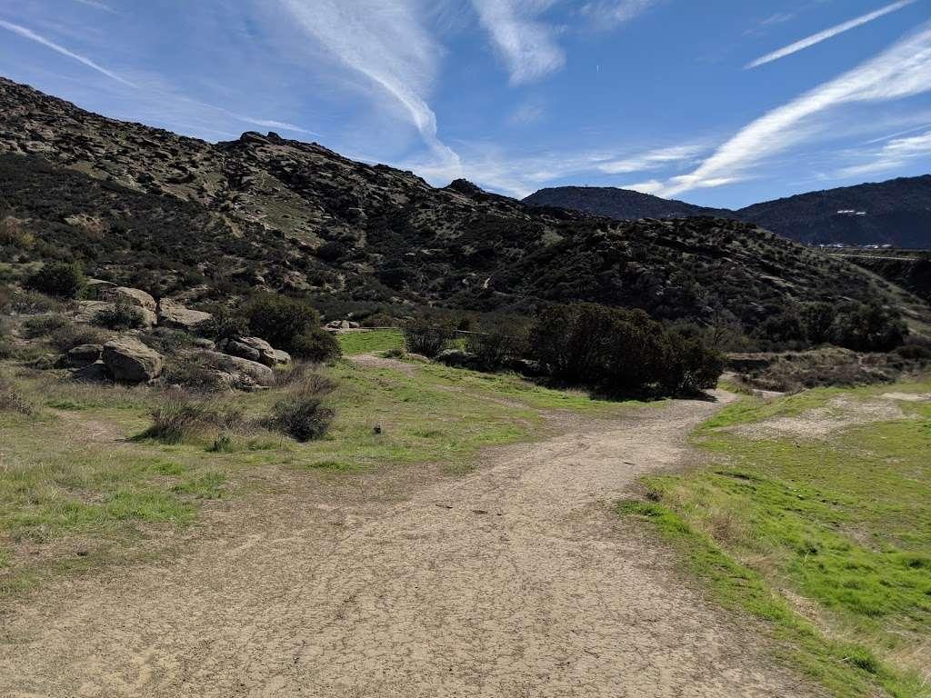 Hummingbird Trail - park  | Photo 9 of 10 | Address: 2954-2980 Kuehner Dr, Simi Valley, CA 93063, USA