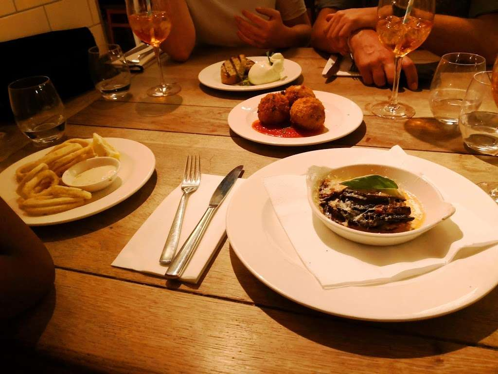 Rocca Di Papa - restaurant    Photo 7 of 10   Address: 75-79 Dulwich Village, London SE21 7BJ, UK   Phone: 020 8299 6333