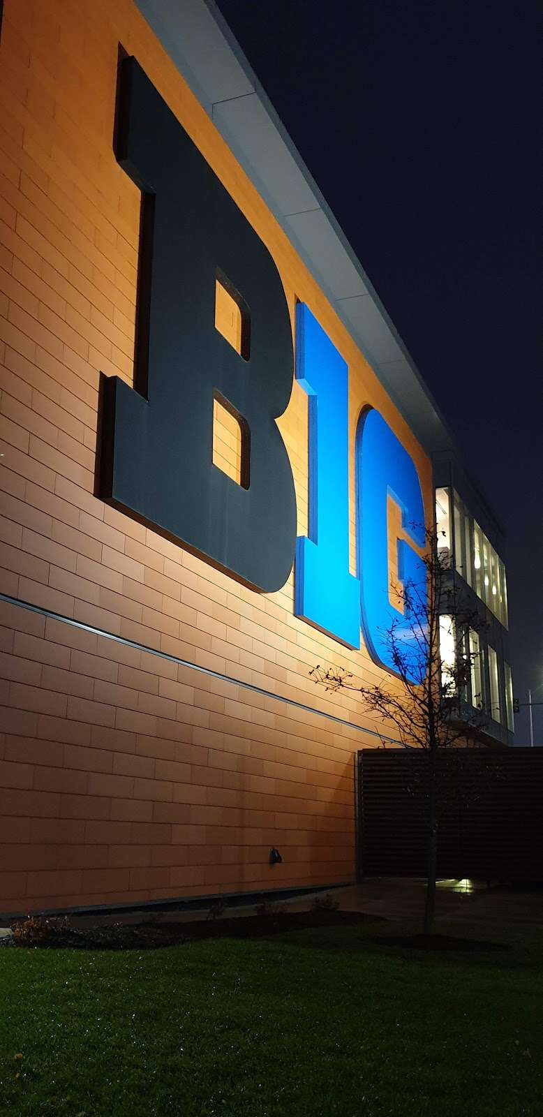 Big Ten Conference - museum  | Photo 7 of 10 | Address: 5440 Park Pl, Rosemont, IL 60018, USA | Phone: (847) 696-1010