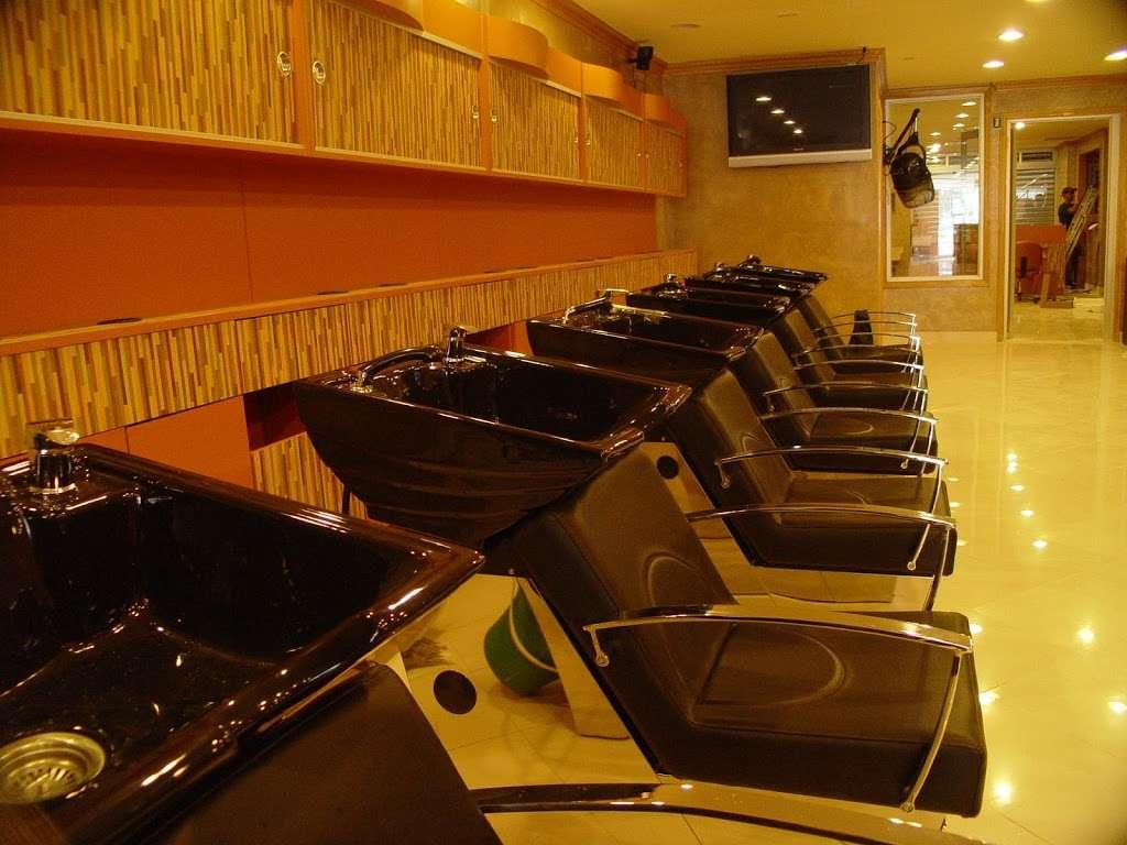 Rizos Spa - hair care  | Photo 7 of 10 | Address: 41-17 National St, Corona, NY 11368, USA | Phone: (718) 899-1575