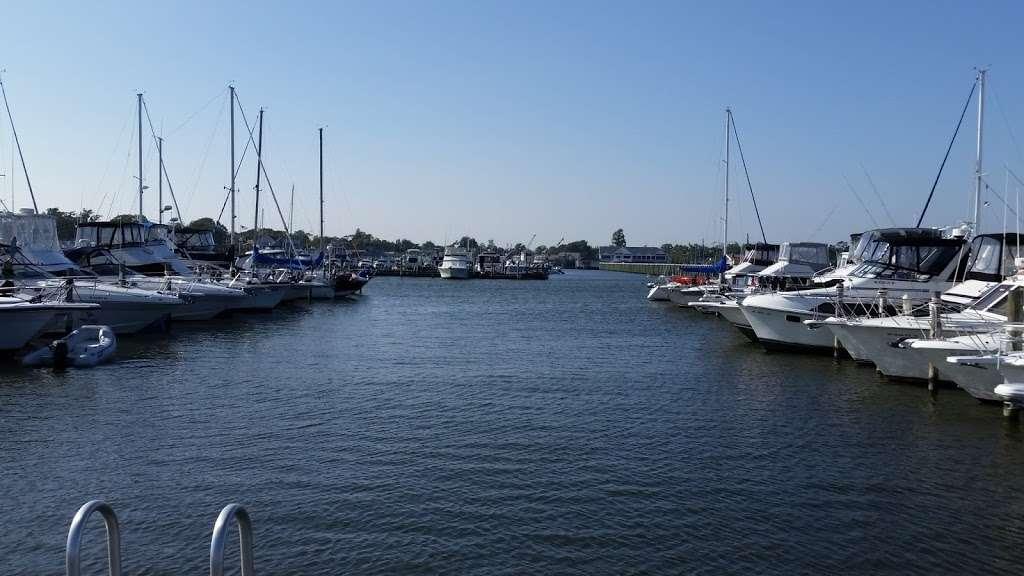 Shipwreck Cove Spray Park - park  | Photo 8 of 10 | Address: S Clinton Ave, Bay Shore, NY 11706, USA | Phone: (631) 224-5404