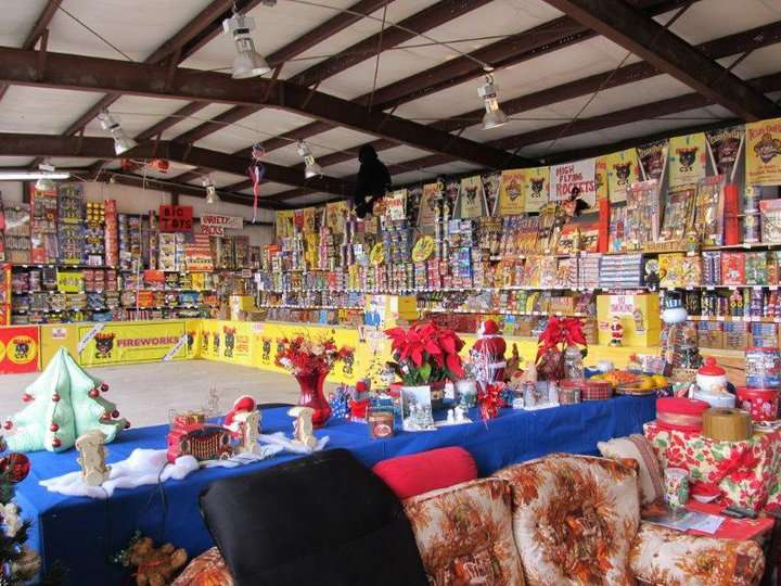 Fireworks Superstore - store  | Photo 1 of 8 | Address: 13901 Hwy 6, Arcola, TX 77583, USA | Phone: (281) 431-8716