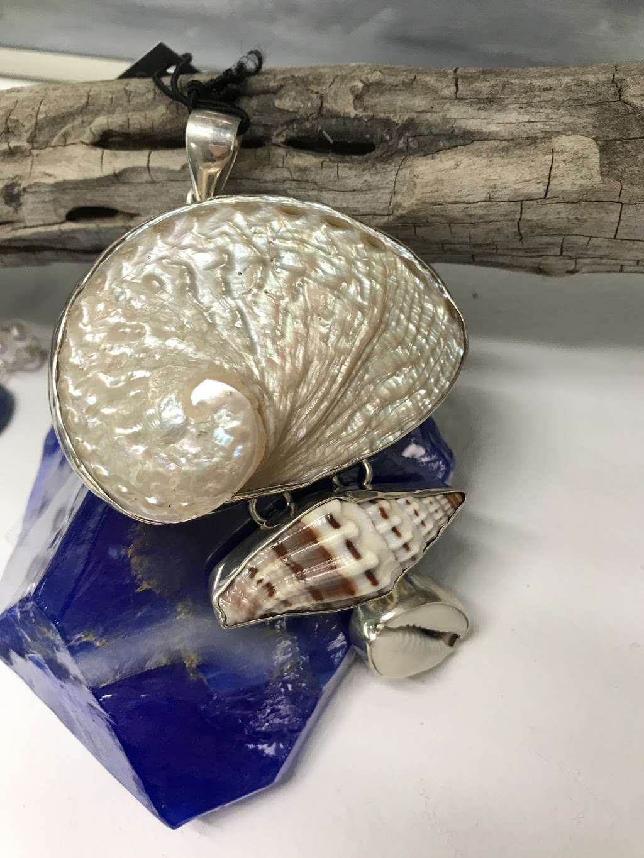 Sashas Jewels - jewelry store  | Photo 3 of 4 | Address: 1300 Coastal Hwy suite 8, Fenwick Island, DE 19944, USA | Phone: (302) 296-6909