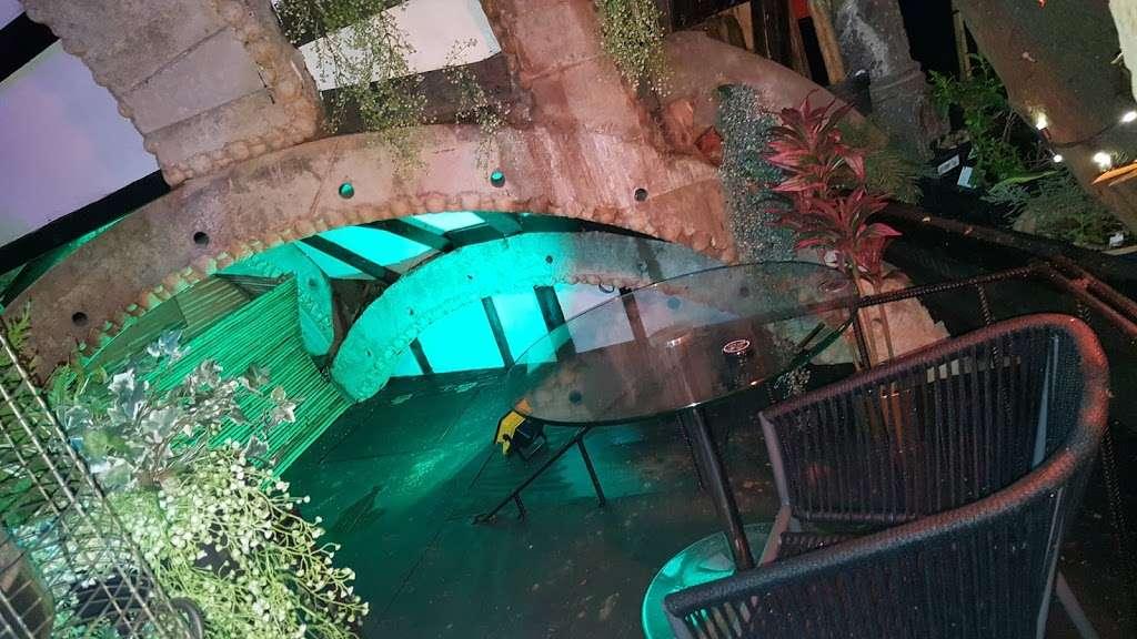 The Shisha Garden - lodging  | Photo 9 of 10 | Address: 88 Whitchurch Ln, Edgware HA8 6QN, UK | Phone: 07402 220098