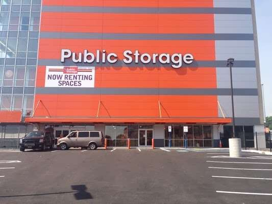 Public Storage - storage  | Photo 10 of 10 | Address: 385 Gerard Ave, Bronx, NY 10451, USA | Phone: (347) 767-5500