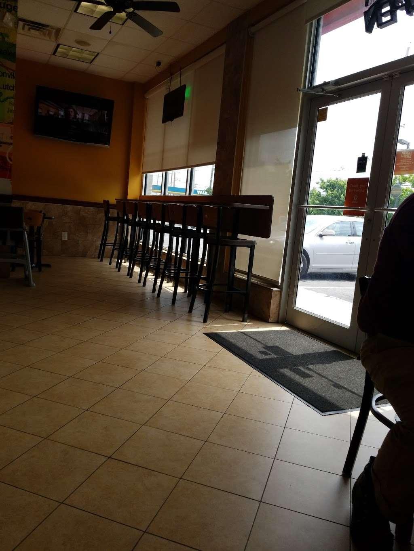Popeyes Louisiana Kitchen - restaurant  | Photo 8 of 10 | Address: 300 Washington Ave, Carlstadt, NJ 07072, USA | Phone: (201) 933-0330