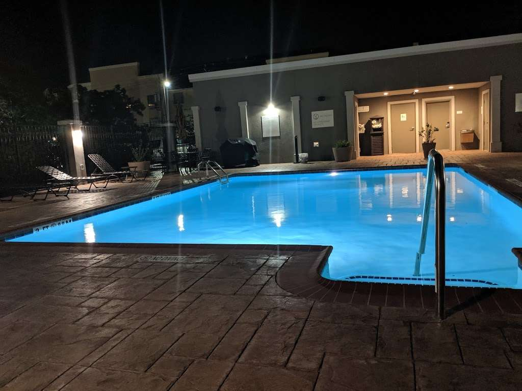 Hilton Garden Inn Houston-Baytown - lodging  | Photo 3 of 10 | Address: 4910 E Chase St, Baytown, TX 77521, USA | Phone: (281) 838-8208