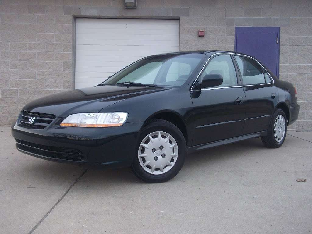 R C Auto Sales - car dealer    Photo 10 of 10   Address: 1701 S Tibbs Ave, Indianapolis, IN 46241, USA   Phone: (317) 247-0170