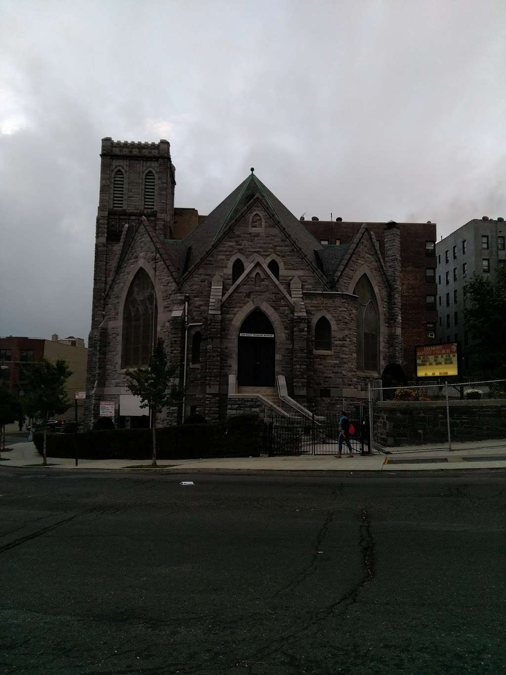 Tremont Baptist Church - church  | Photo 3 of 4 | Address: 324 E Tremont Ave, Bronx, NY 10457, USA | Phone: (718) 583-2620