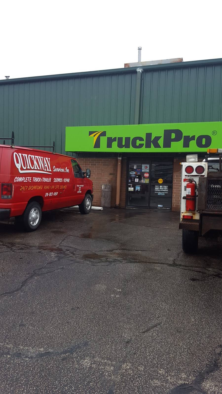 TruckPro - car repair  | Photo 7 of 9 | Address: 5725 Canal Rd, Valley View, OH 44125, USA | Phone: (216) 447-0000